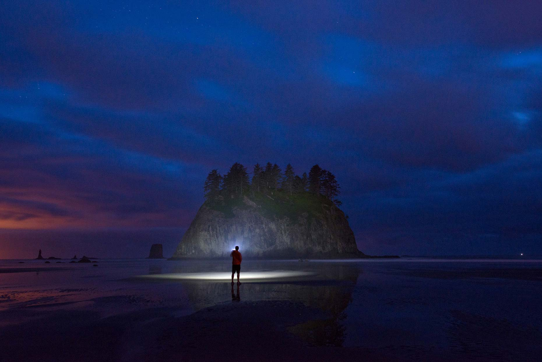 Ian-Coble-La-Push-WA-Coast-Beach-Exploring-night-REI