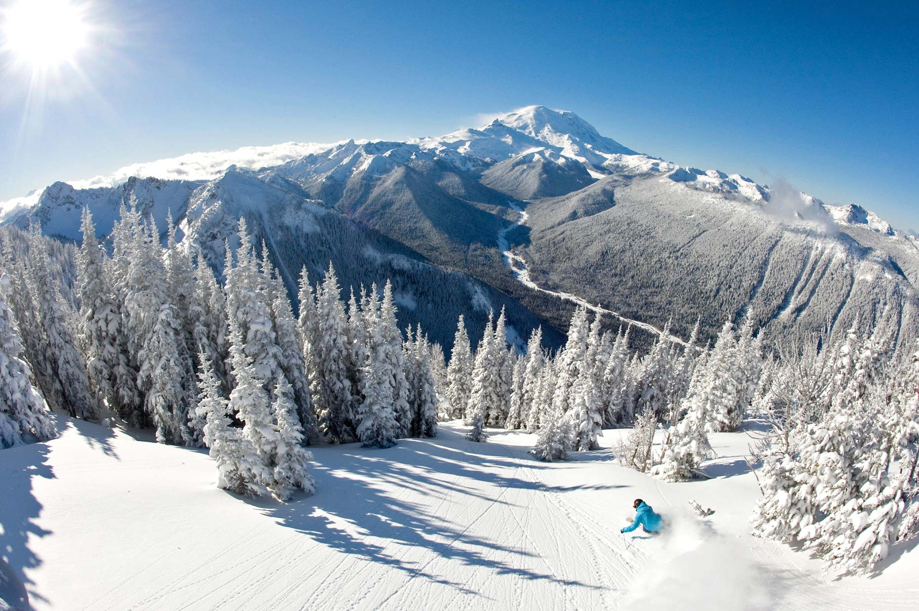 Ian-Coble-Skiing-Mt-Rainier