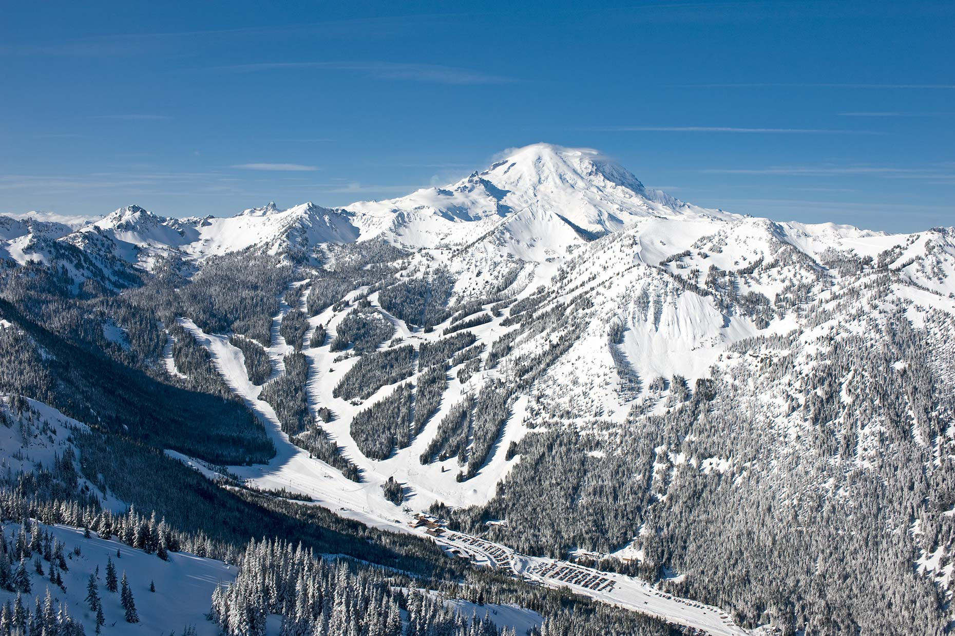 Ian-Coble-Resort-Crystal-Mountain-Skiing-Scenic-Helicopter