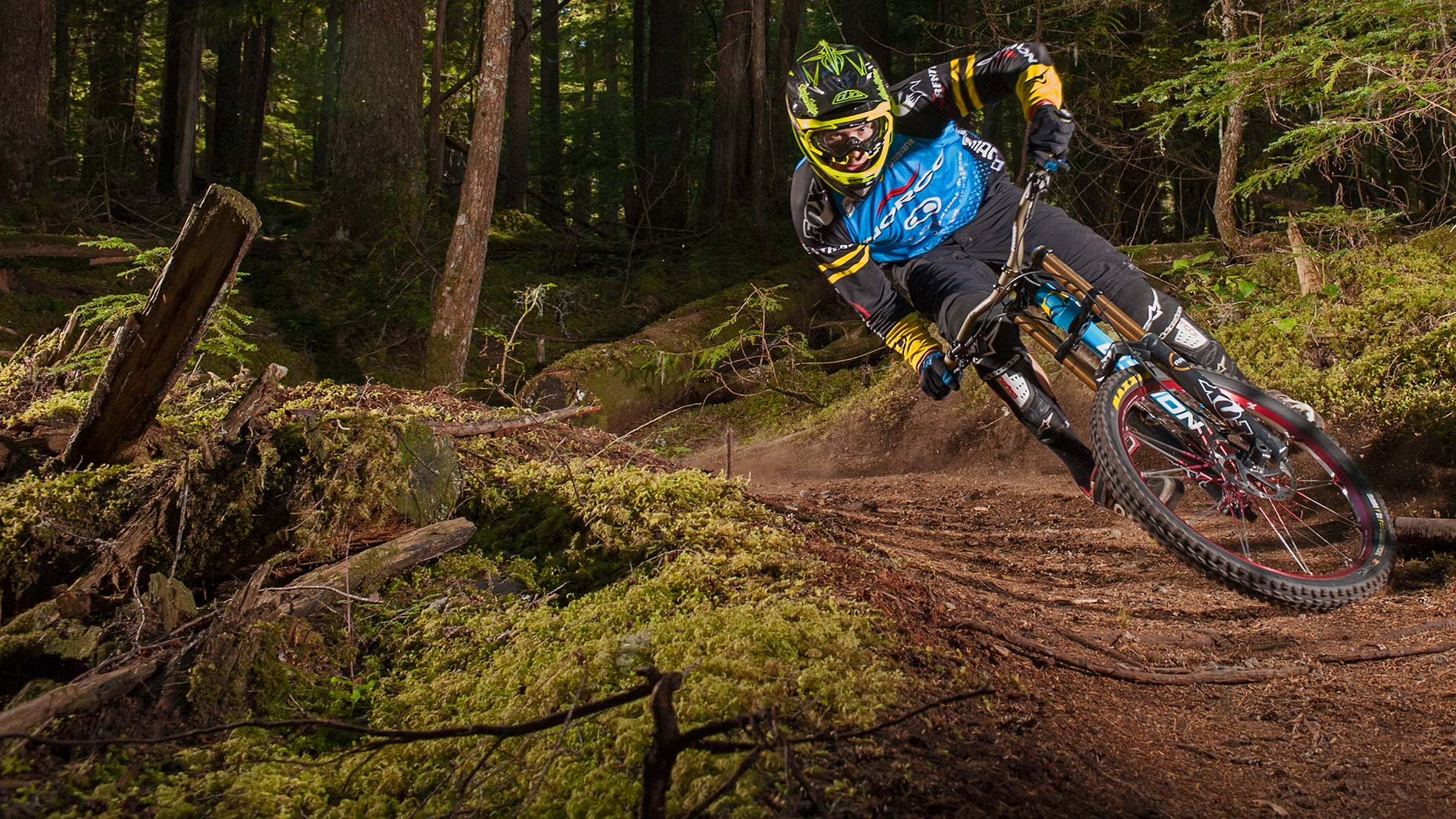 Ian-Coble-Mountain-Bike-Strobe-Downhill