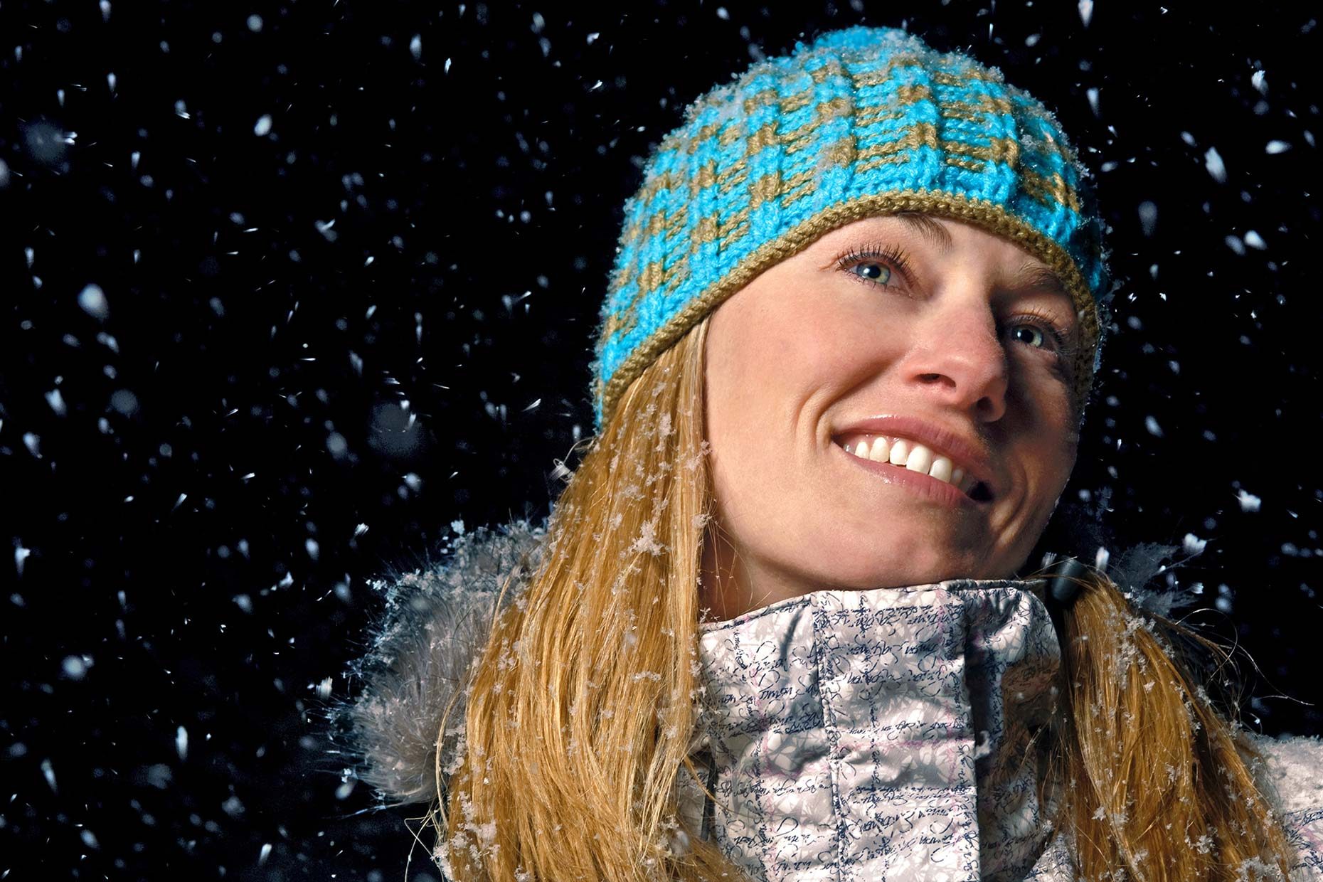 Ian-Coble-Portrait-Location-Snow-Winter-Womens-Outerwear