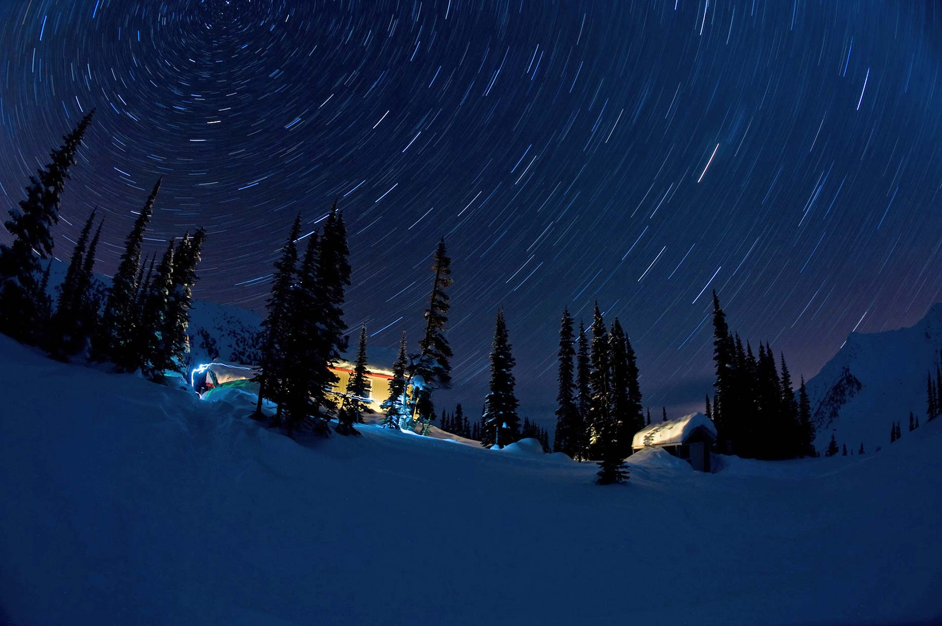 Ian-Coble-Night-Star-Trails-Lodge-BC-Canada